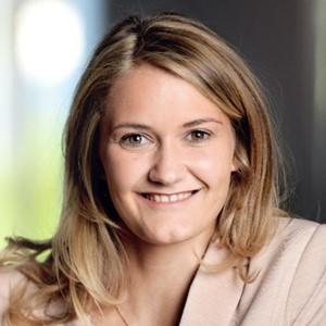 Janine Stuchl (Moderator)
